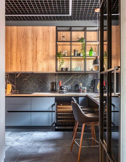 Проект недели: Кухня-гостиная с брутальными материалами